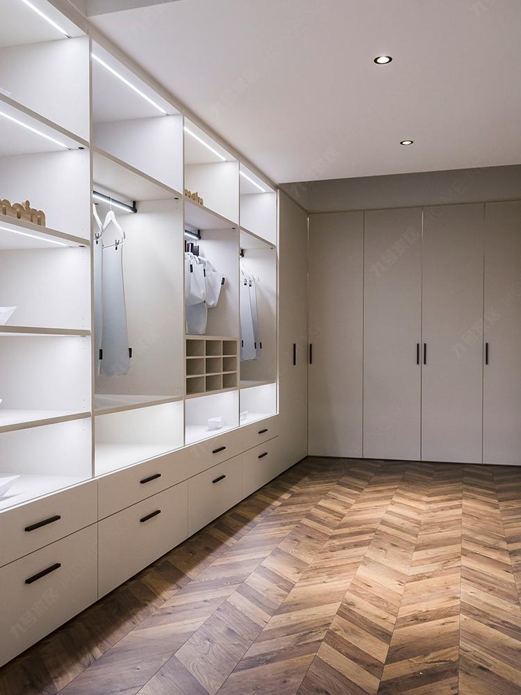 全屋家居现代简约整体衣柜定制卧室平开门衣柜走入式衣帽间定做